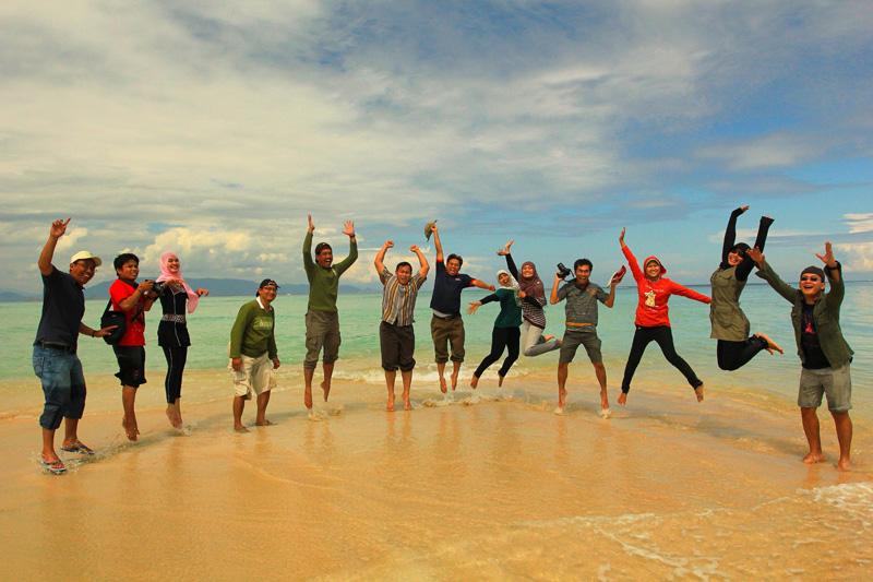 Mari Ekspresikan diri di Pulau Terkecil sedunia hehe