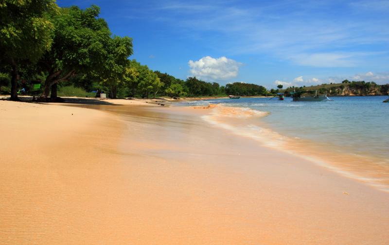 Pantai Tangsi benar ngepink dah atau kuning yach