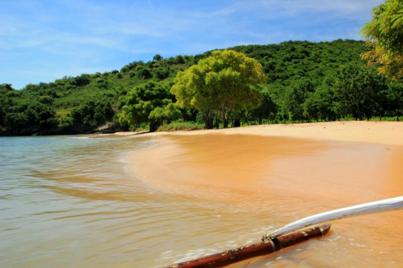 siap-siap meninggalkan Pantai Tangsi menuju Gili Petelu