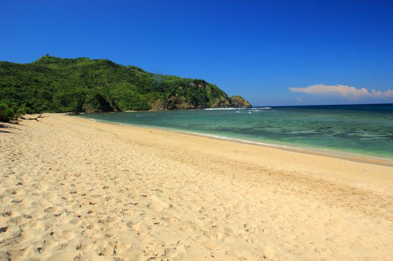 pantai Mawun sebelah Kiri