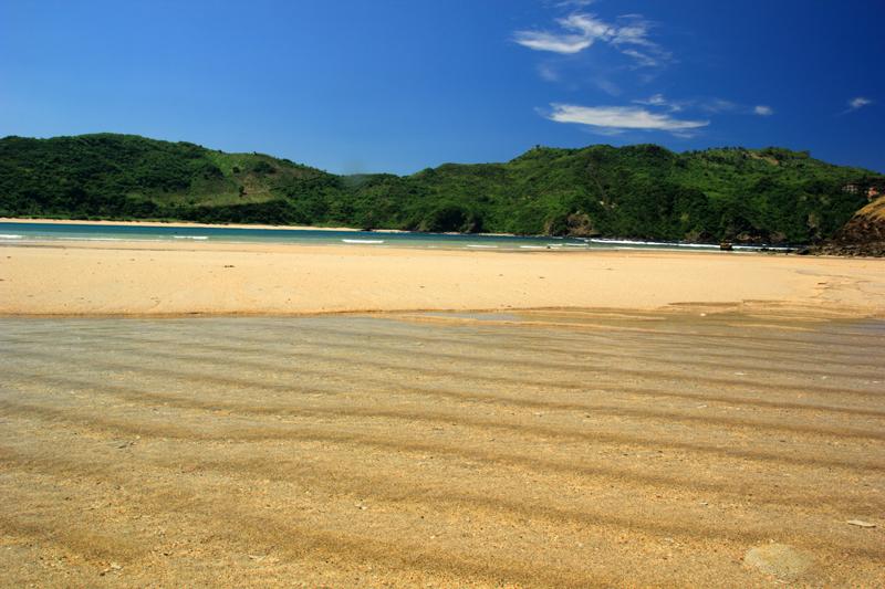 asikkkk neh nyelup di pantai airnya begini
