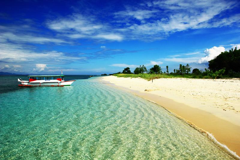 Indahnya Pantai Gili Kondo tak tertandingi