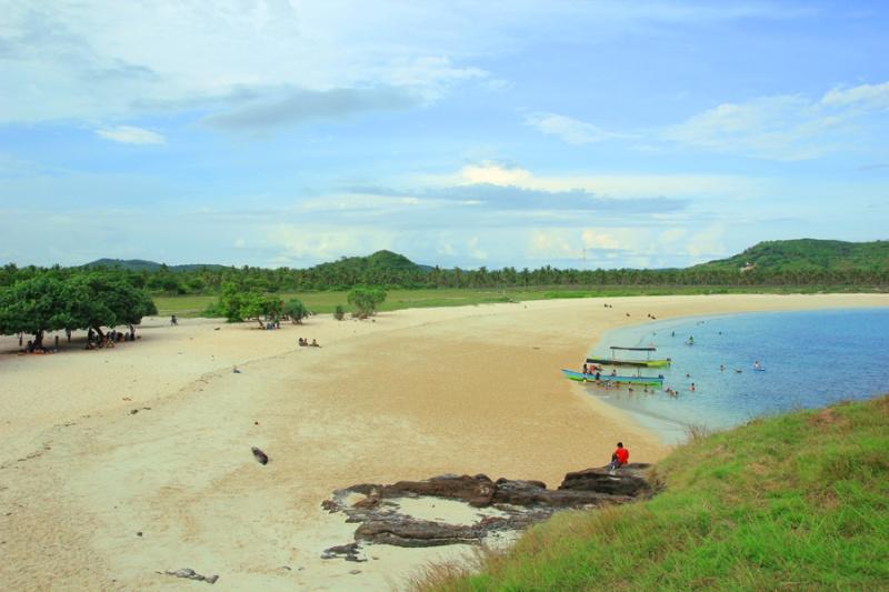 Pantai Sisi Kanan Tanjung Aan
