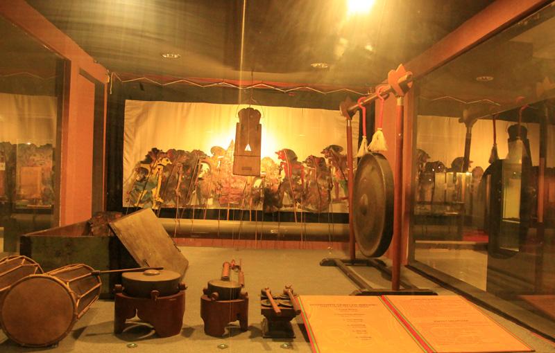 berbagai macam alat kesenian di Musim Mataram