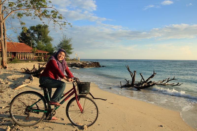 Mari bersepeda mengelilingi Gili Trawangan