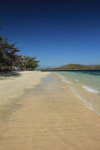 Pantai di sisi Selatan Gili Layar