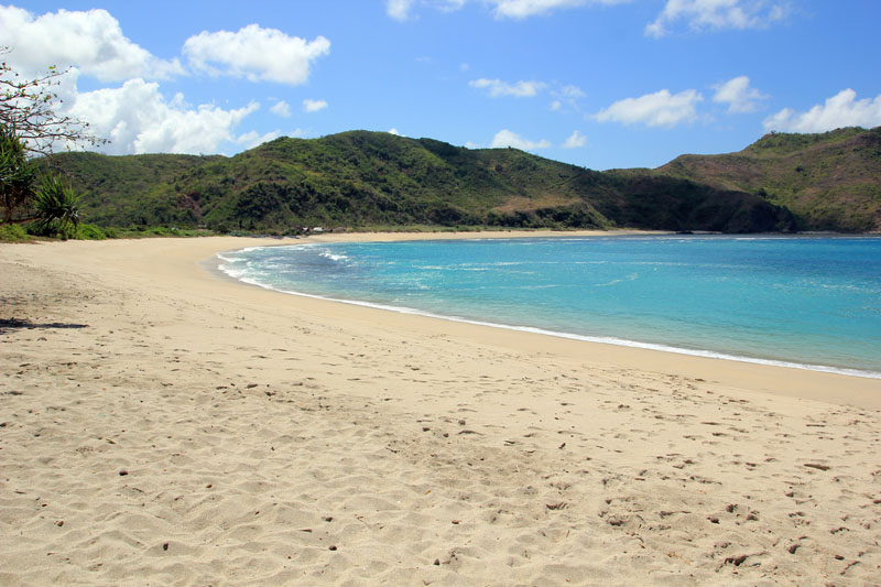 Pantai Mawun bagian Kiri