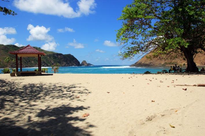 Selamat Datang di Pantai Mawun