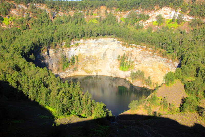 danau Tiwu Ata Bupu