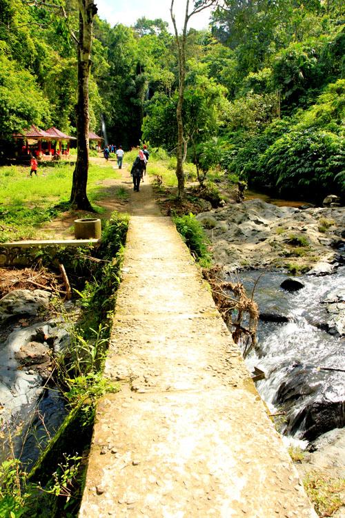 Jembatan menuju Stokel