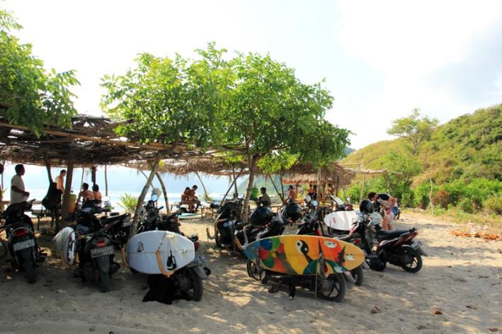 pantai Mawi Surga para peselancar