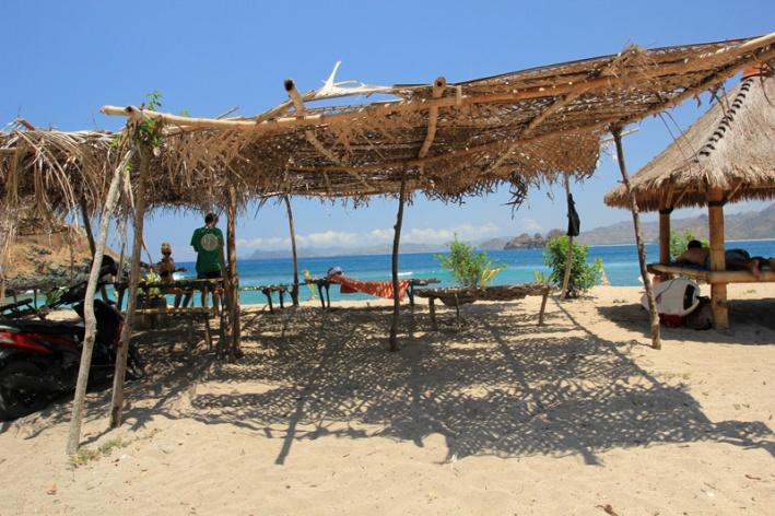 suasana pantai Mawi