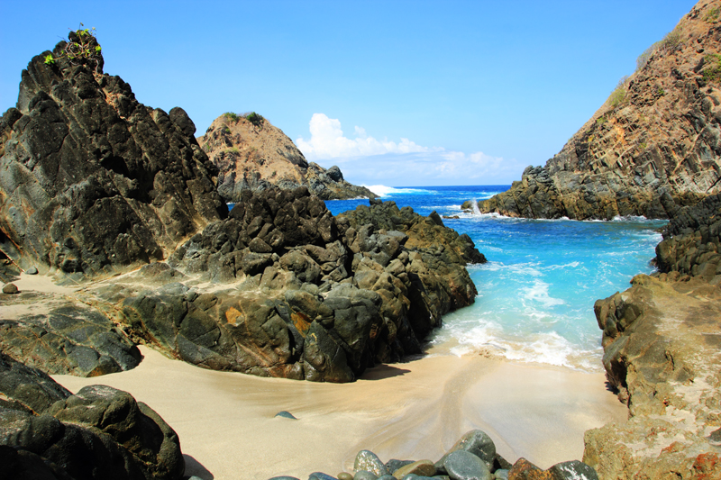 pesona Pantai Tlawas