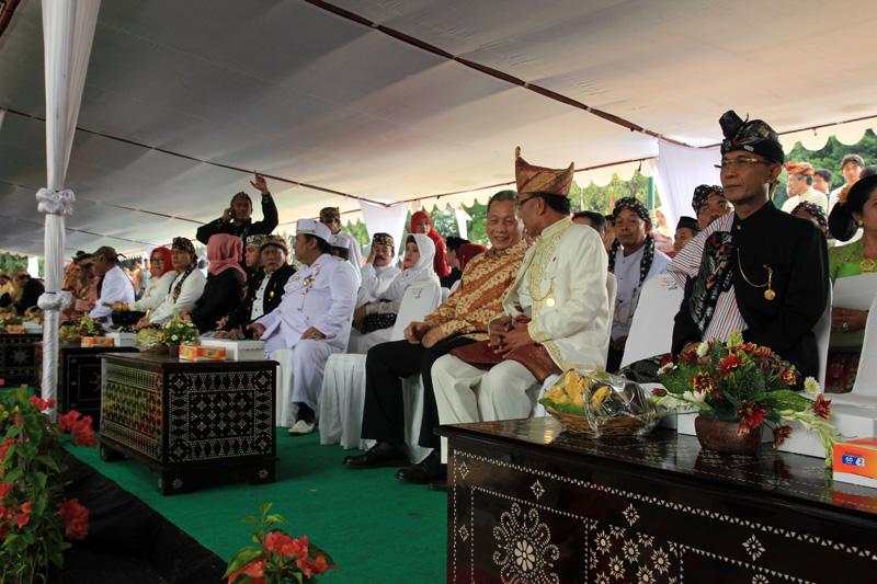Walikota bersama para delegasi