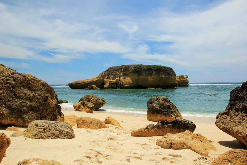 Pantai Sungkun Emang Surga dan Ajib