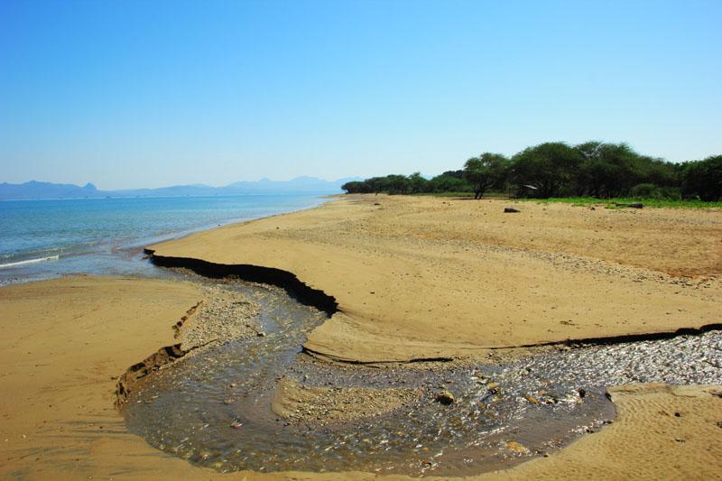 Aliran sungai yang bermuara di Lasiana