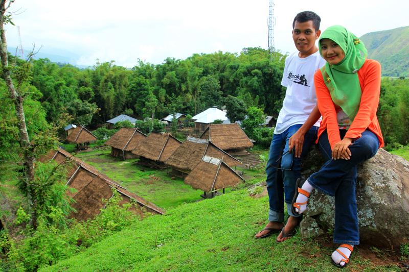Ardi dan Echie datar Kampung adat