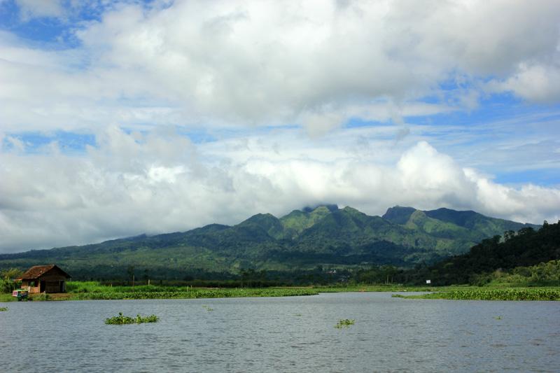 Gunung Kelud dilihat dari Ngantang
