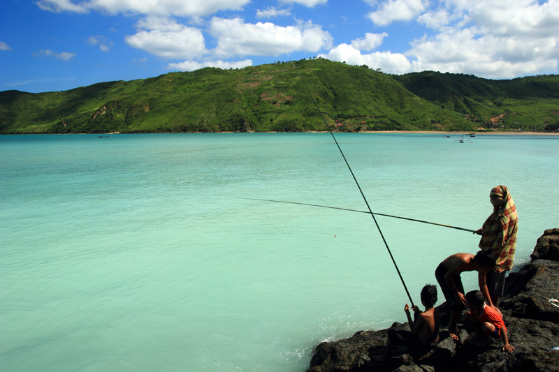 Mari mancing di pantai Kuta
