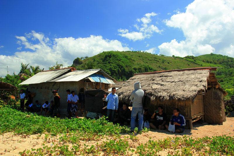 perkampungan Nambung yang tak berhasil digusur oleh aparat