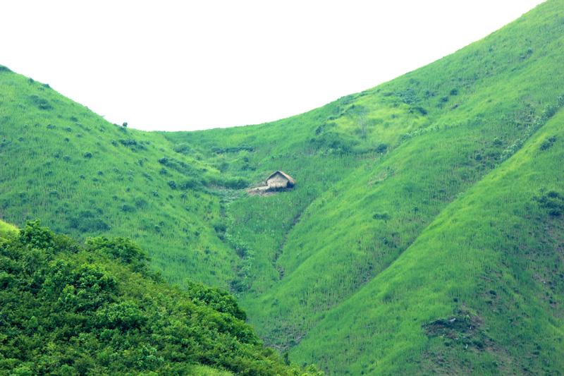 rumah di puncak bukit