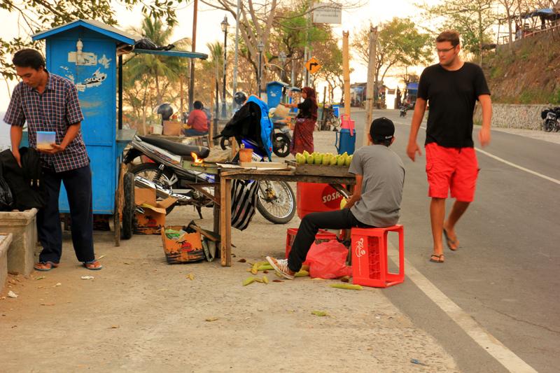 Penjual Jagung Bakar Senggigi