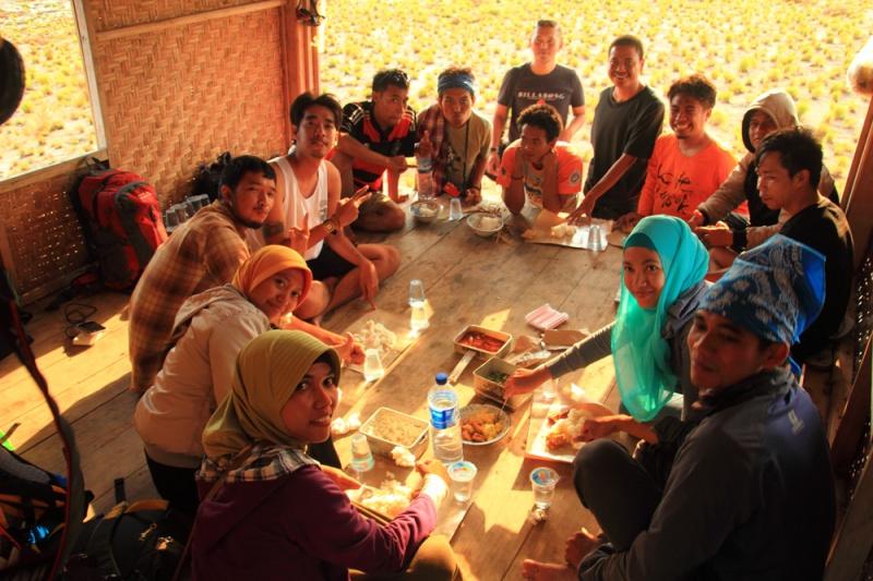 Begibung alias makan bersama